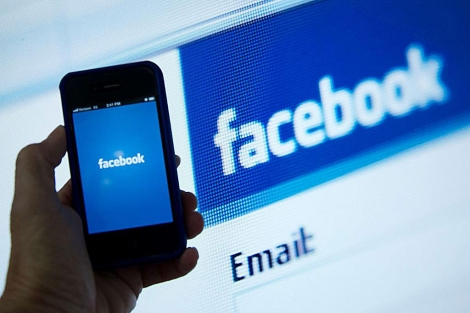 Demandan a facebook, a Zuckerberg y a los bancos tras la salida a bolsa de la compañía