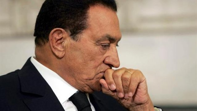 Caso mubarak: el juicio a mubarak se convierte en una farsa para tratar de exculparle